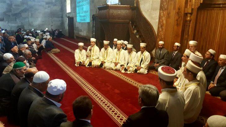 Laleli Kur'an Kursu Öğrencileri İcazetlerini Aldılar