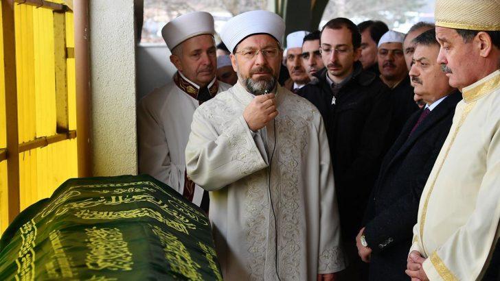 Diyanet İşleri Başkanı Erbaş, Müftü Sönmezoğlu'nun annesinin cenaze namazına katıldı
