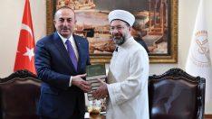 Dışişleri Bakanı'ndan Diyanet'e ziyaret