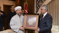 Diyanet İşleri Başkanı Erbaş, Hakkari Valiliğini ziyaret etti