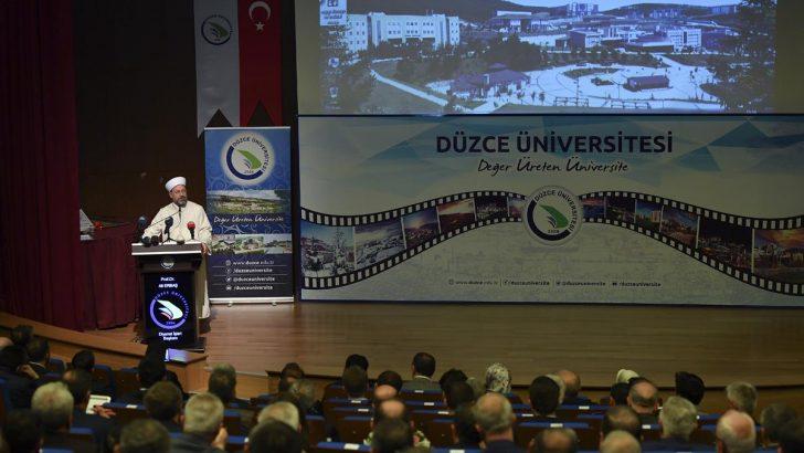 Erbaş, üniversite öğrencilerine konferans verdi