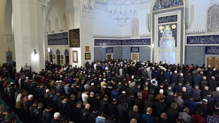 Regaib Kandili tüm yurtta dualarla idrak edildi