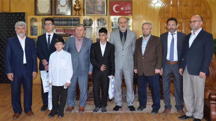 """Kur'an Kursları Arası """"Kur'an-ı Kerim-i Yüzünden Güzel Okuma Yarışması"""""""