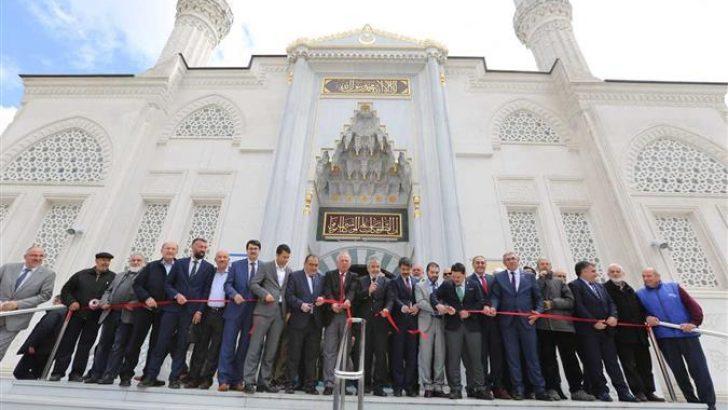 Beylikdüzü Hz. Ebu Bekir Camii ve Külliyesi Açıldı