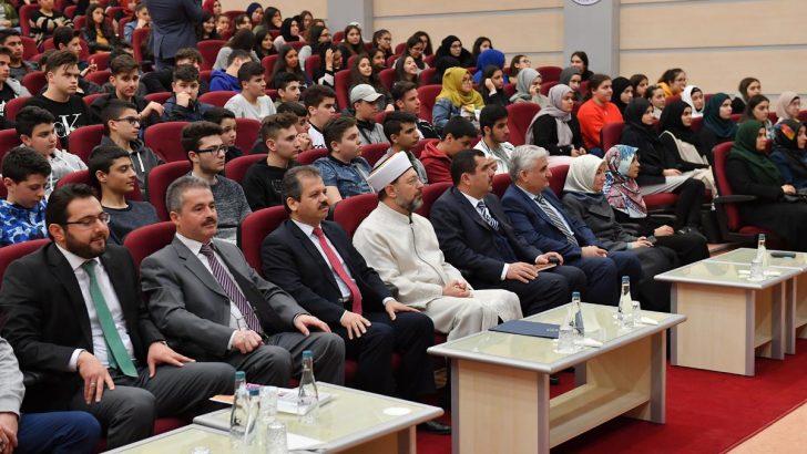 Diyanet İşleri Başkanı Erbaş, Avrupa'dan gelen gençlerle buluştu