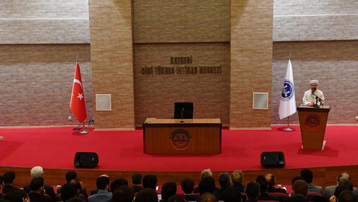 Erbaş, Kayseri Dini Yüksek İhtisas Merkezini ziyaret etti