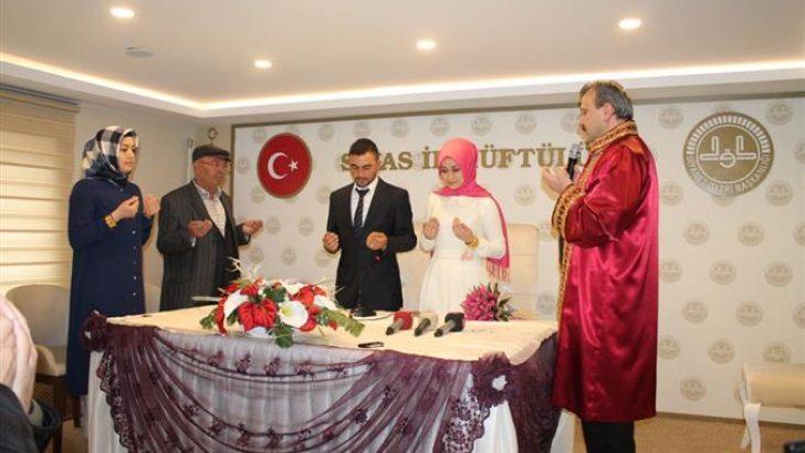 Sivas Müftülüğünde İlk Resmi Nikah Kıyıldı