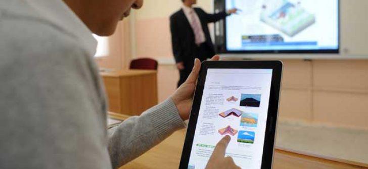 Eğitimde tablet yerine klavyeli bilgisayar dönemi