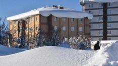 Bitlis merkezde kar kalınlığı, 2 metreye ulaştı