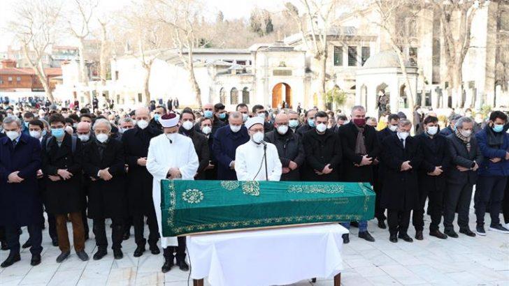 Tarihçi ve yazar Bahadıroğlu son yolculuğuna uğurlandı