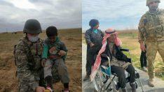 Mehmetçikten Barış Pınarı bölgesindeki halka şefkat eli